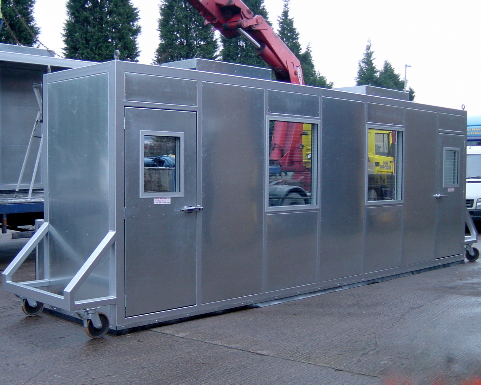 enclosure for test rig on wheels